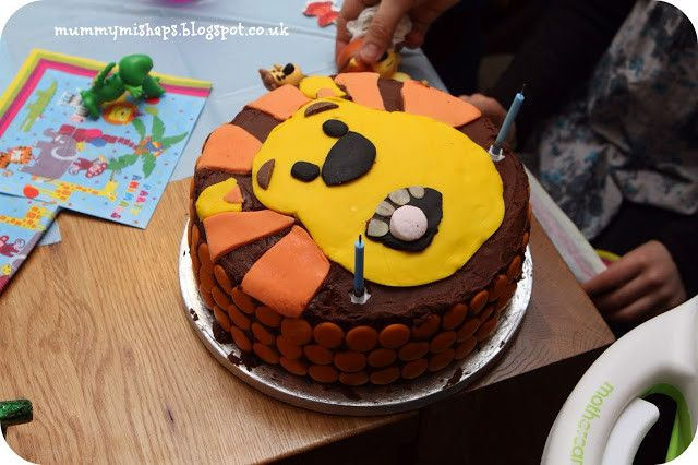 Excellent Food Lion Birthday Cakes Fresh Raa Raa The Noisy Lion Birthday Funny Birthday Cards Online Hetedamsfinfo
