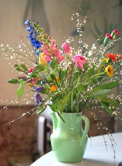 Great color pallet..vintage vase and wildflowers and rustic beach chic