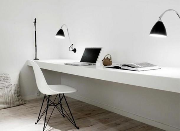 Zwevend bureau, breedte 1.67cm en diepte 47.5cm, in nis. Dikte van het blad 10cm, wit glimmend (zie voorbeeld foto).