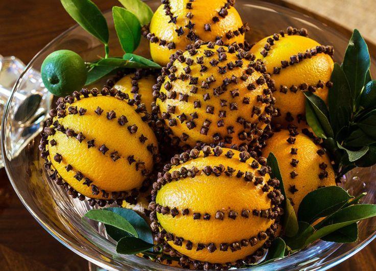 A szegfűszeg és a narancs illata a legyeket és a szúnyogokat is távol tartja, ilyen formában való kombinálásuk pedig nagyon dekoratív.