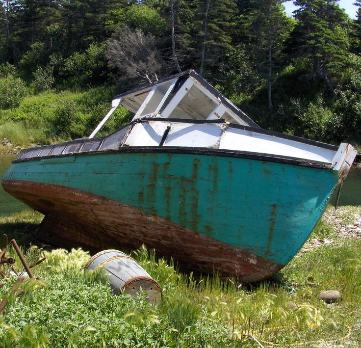 Rusting but still beautiful a boat Around Digby, Annapolis and Kings Counties, Nova Scotia