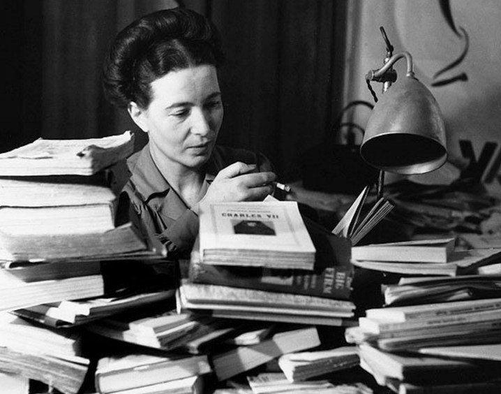 Non ho mai nutrito l'illusione di trasformare la condizione femminile, essa dipende dall'avvenire del lavoro nel mondo e non cambierà seriamente che a prezzo di uno sconvolgimento della produzione. Per questo ho evitato di chiudermi nel cosiddetto «femminismo». Simone de Beauvoir
