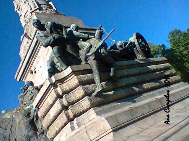 O Monumento aos Heróis da Guerra Peninsular Porto - Portugal PRAÇA MOUZINHO DE ALBUQUERQUE- PORTO - PORTUGAL ♥ ♥ ♥