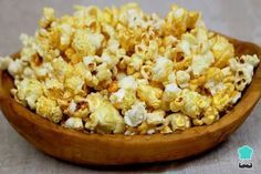 Receta de Palomitas de maíz con mantequilla en sartén #RecetasGratis #RecetasdeCocina #RecetasFáciles #RecetasparaNiños #ComidaDivertidaparaNiños #CocinaCreativa #Palomitas #Cotufas #PopCorn
