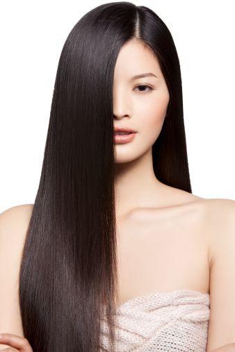 Les moyens pour la restitution et la croissance des cheveu sur la tête