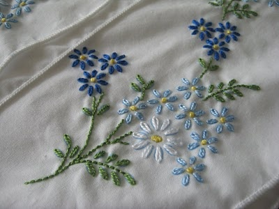 Oliver's Bungalow: Blue Daisies Embroidered Pillowcases