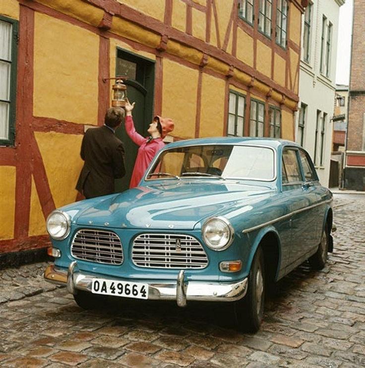 Volvo Amazon in my color!!