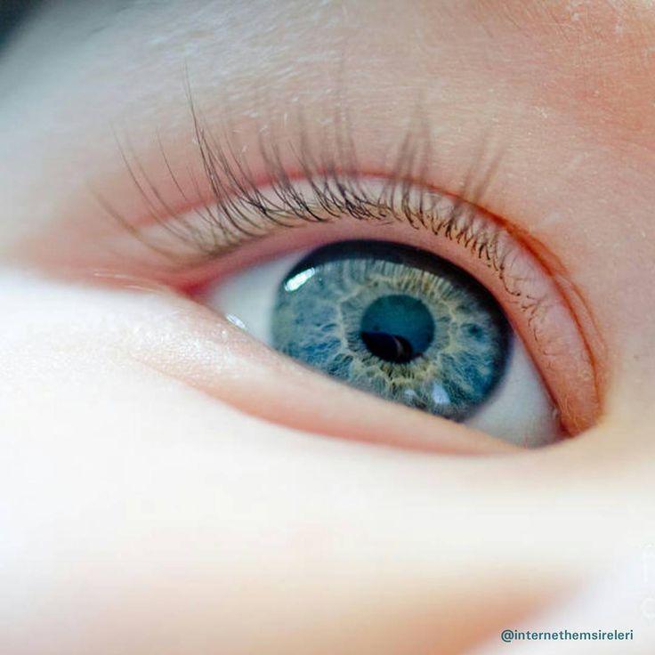 """""""32 haftanın altında doğan tüm bebeklere 4–6 haftalık olunca prematüre retinopatisi (ROP) açısından bu konuda deneyimli bir göz doktoru tarafından göz…"""""""