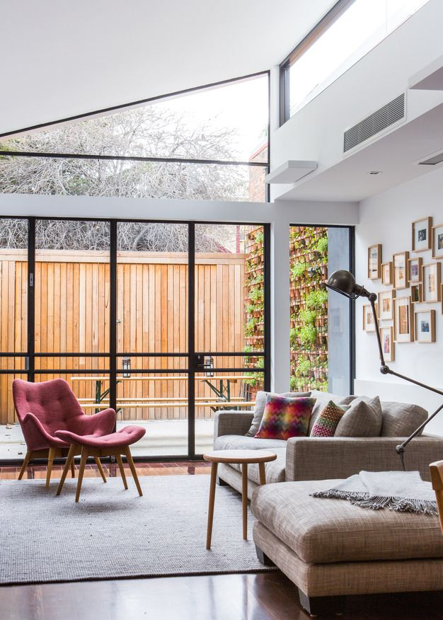 Contemporay Australian living. This Carlton, Melbourne home with interiors by Larritt-Evans has an easy going modern aesthetic.