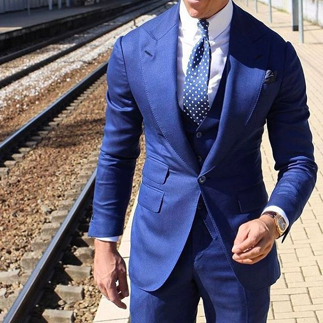 299 отметок «Нравится», 7 комментариев — Gentlemans Bespoke. (@gentlemansbespoke) в Instagram: «#GBespoke Dapper outfit courtesy of @tomaslasoargos || Bespoke inspiration |  #gentlemansbespoke…»
