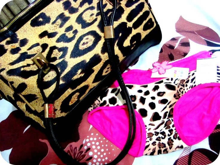 Leopard Print Love~    http://pinkcloudsz.blogspot.com/2012/08/stranded-on-island-whats-your-pick.html