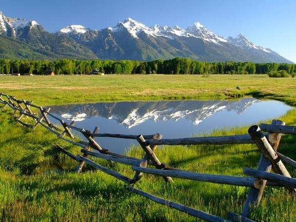 Wyoming Ranch - I wish I could move there ...looks so peaceful.