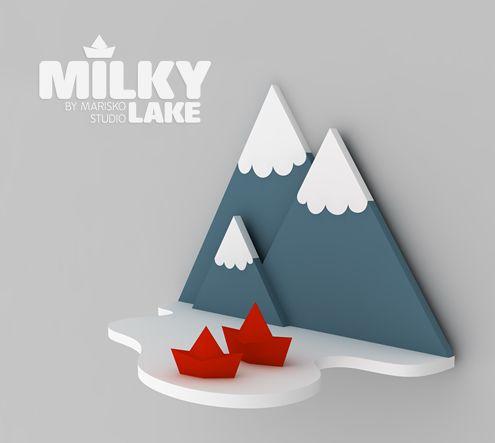 Voici une belle petite étagère designée par Marisko Studio qui serait parfaite pour une chambre d'enfant compte tenu de l'univers un peu ludique qui est représenté avec cette montagne.