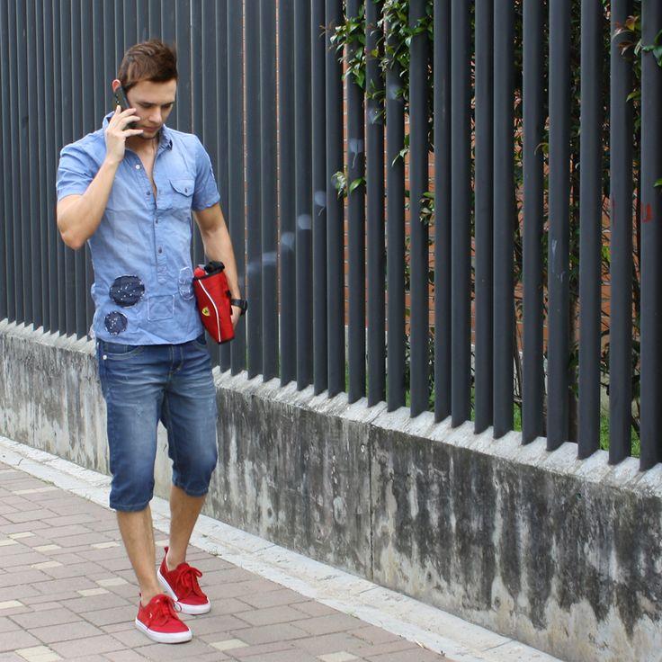 """""""La ciudad no consiste en las casas, los edificios, ni las plazas públicas: Los hombres son los que la forman"""" Eugenio Espejo  #TendenciasFashionmen #MensClothes #StreetStyle #Fashionmen #fashion #style #stylish #pants #shirt #handsome #cool #guy #boy #boys #man #tshirt #styles #jeans #fresh #Medellin"""