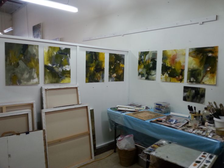 Gail Barfod studio shot https://www.facebook.com/gailbarfodartist