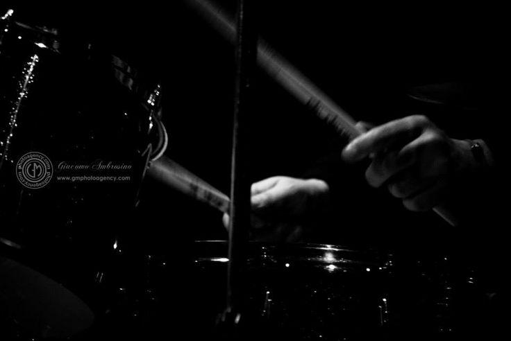 Data: 26.01.2014 Location: Auditorium Salvo D'Acquisto - Napoli Napol Jazz Festival - Winter Edition ( Napoli Jazz Club) Francesco Villani trio feat: Sergio Di Natale : Batteria Luca Bulgarelli : Contrabbasso #francescovillani #sergiodinatale #lucabulgarelli #jazz #musica #concerti #piano #contrabbasso #batteria #trio #napolijazzfestival #ilpremiodiconsolazione