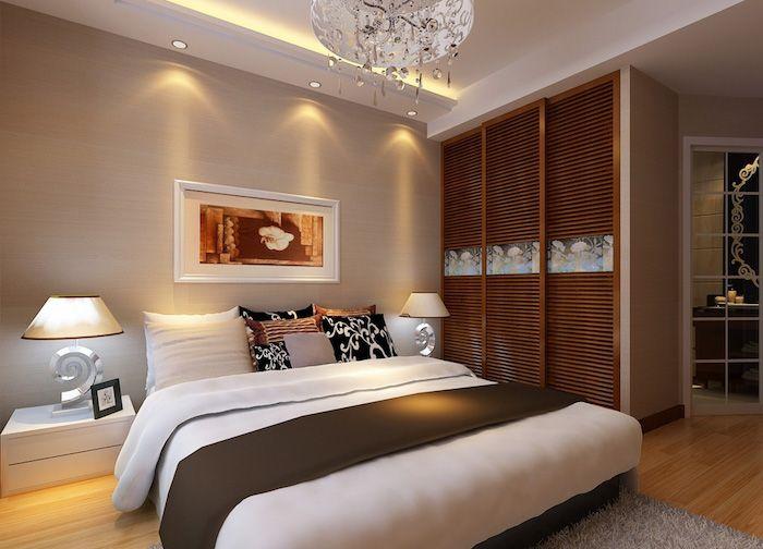 Kleiner Zimmer Einrichten, Wohnideen Schlafzimmer, Silberne Leuchte Mit  Kristallen, Großes Bett