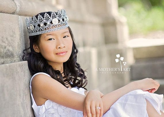 l o v e  c r u s h Heavenly lace crown by lovecrushbowtique, $35.00