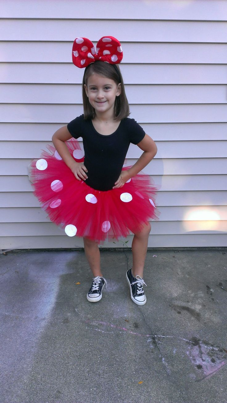 Minnie Mouse Tutu...Nichole, I am going to need you to make this for me for read across America week and my character parade