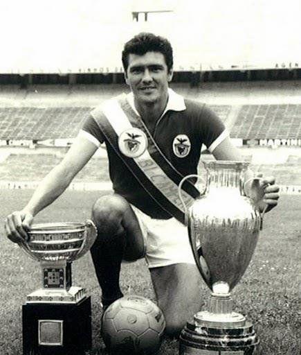 José Águas, bicampeão europeu, 5 campeonatos de Portugal e 7 Taças de Portugal.