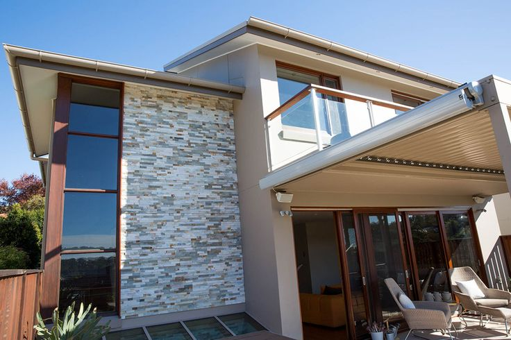 Check out this recent project completed for a local customer using Bisque Stacked Stone. Stacked Stones are small random pieces of Natural Stones that are stuck together. They available in different stone materials manly used quartz or slate and make a stunning impression. Visit our website to learn the various characteristics of each stone and receive individual assistance in choosing just the right product to beautify your home and garden.  #stackedstones #stonevaneer #stonecladding