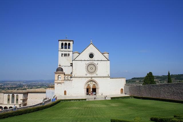 Basilica di San Francesco d'Assisi - Assisi / Italy by Bahar Dik