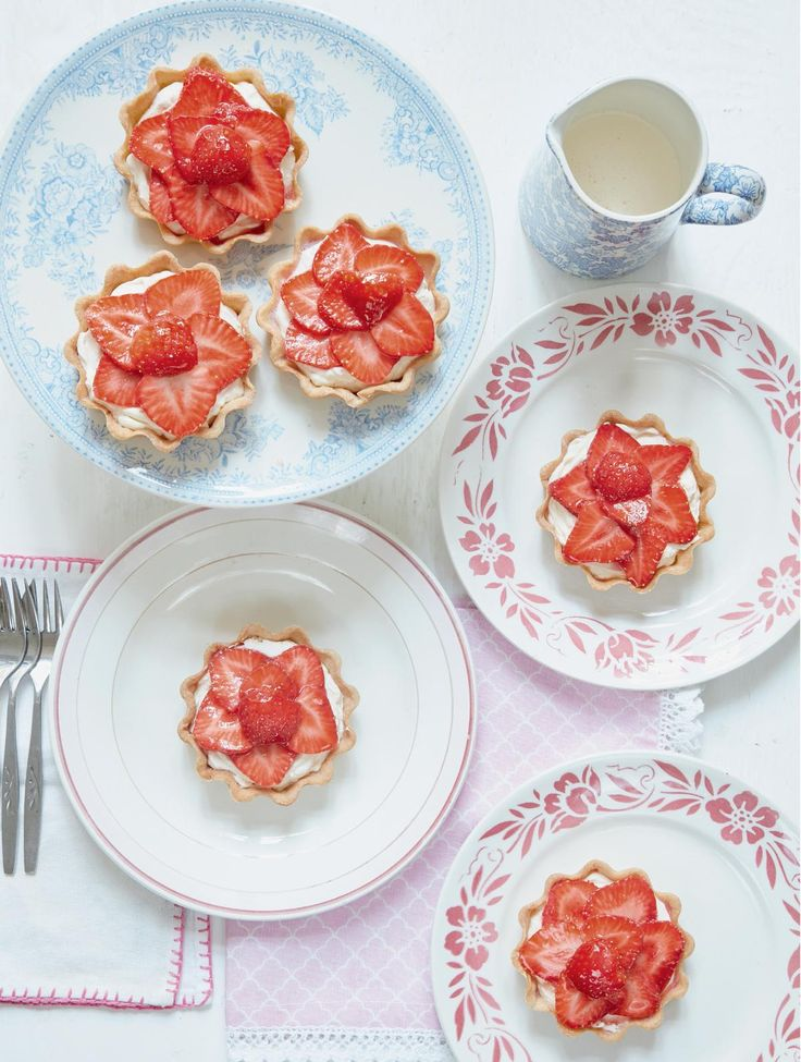 Fresh Strawberry Tartlets - The Happy Foodie