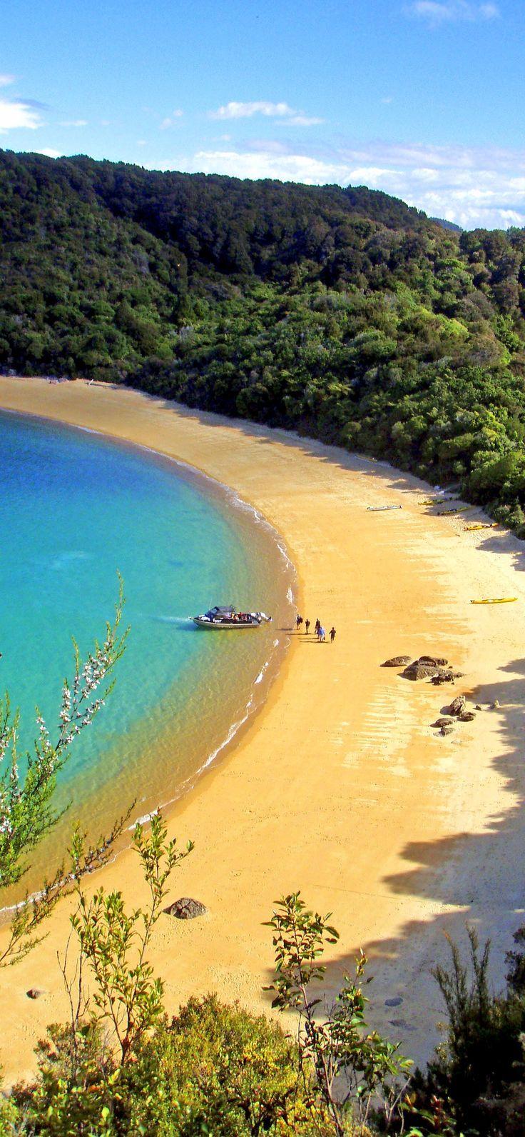 Te Pukatea Bay, Abel Tasman National Park, NZ... #NewZealand Uploaded by user