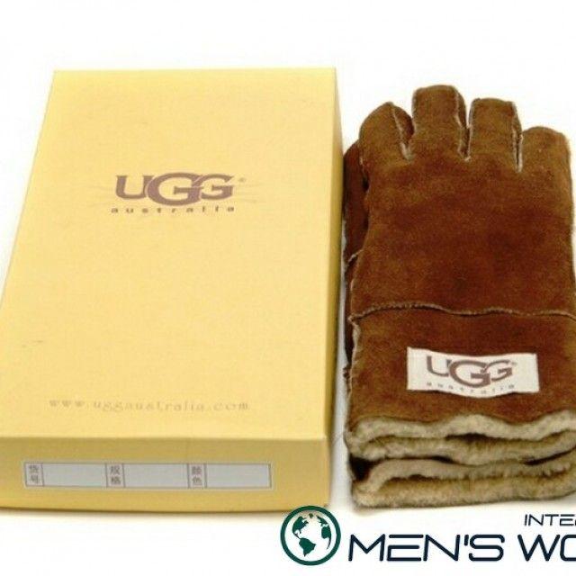 Мужские перчатки UGG Australia, изготовлены из натуральных материалов первого сорта.Мужские перчатки UGG Australia, изготовлены из натуральных материалов первого сорта.Изготовлены на основе натурального овечьего меха, перчатки UGG Australia гарантируют универсальность использования и тепло для рук.