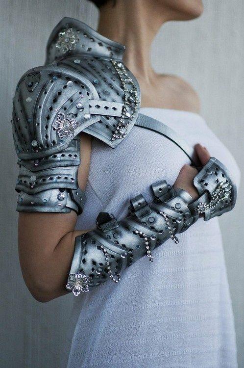 asogeekery:        Bling Armor    Source : asogeekery