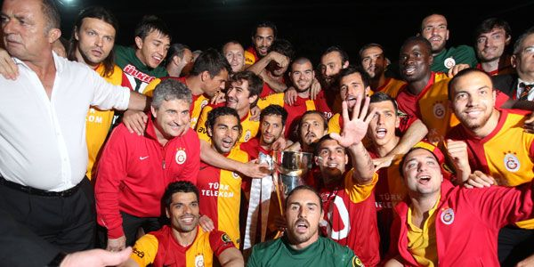 there you go ladies and gentlemen, galatasaray is the official champions of this very, very weird league. after a final to end all finals, they've came out of şükrü saracoğlu with a draw and that was enough for them. burak yılmaz is the top goalscorer with 33 goals while galatasaray's own selçuk inan was the leader in assists with 11. now it's time to wait and see how the next season will unfold.