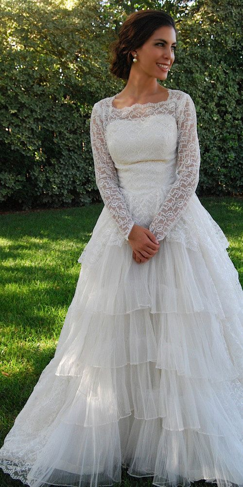 Vintage Princess Kate Lace Wedding Gown 50s - Size: XS. $380.00, via Etsy.