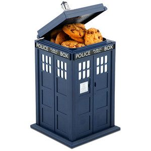 A TARDIS cookie tin!  Eat THAT, Dr. Who fans!