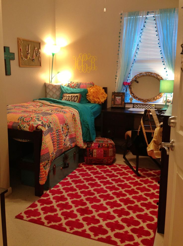 Ideas For Dorm Room: Dorm Room Ideas @Kalee Bailey We Have To Put A Rug In Our