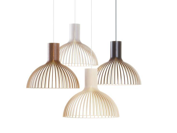 Ten spokojny i harmonijny żyrandol jest często widziany w pomieszczeniach z przyjemną atmosferą, niezależnie od typu wnętrz.  Lampa Victo to hand-made z certyfikatem PEFC, wykonana z drewna brzozowego w Finlandii. Każdy egzemplarz to wysokiej jakości produkt wykonany przez wysoko wykwalifikowanych rzemieślników. Drewno brzozowe dodaje delikatnej jasności do wnętrz i atmosfery.