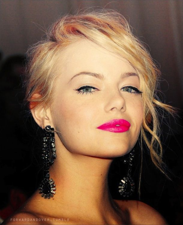Emma Stone, liner and hot pink lips