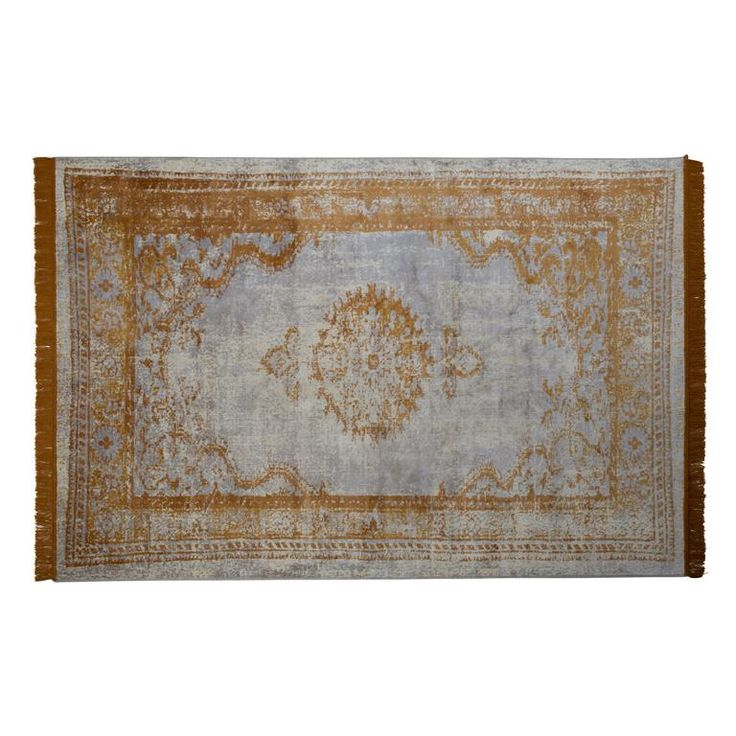 Het design van dit hippe Marvel vloerkleed van Zuiver is geïnspireerd op een Perzisch tapijt! Het kleed is in een vintage jasje gestoken en gemaakt van een heerlijk zachte stof. Voeg daar vrolijke franjes aan toe en je hebt Perzisch tapijt 2.0!