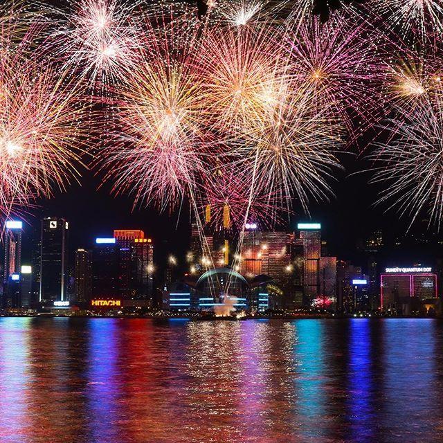 Instagram【felix_ip888】さんの写真をピンしています。 《第一爆,估唔到咁爆LoL!#生果男 #雲海 #夜景 #日出 #日落 #月亮 @d18hk #hklocals #Hongkong  #hk #光軌 #fireworks  #mastermindjapan #fcrb #hkig #physique #humanflag #handstand #frontrow #guy #abs #backflex #motivation #fit #gym  #fitness #fitnessmodel #hkmodel》