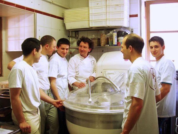 Franck Debieu and his team, L'Etoile du Berger, Sceaux, France