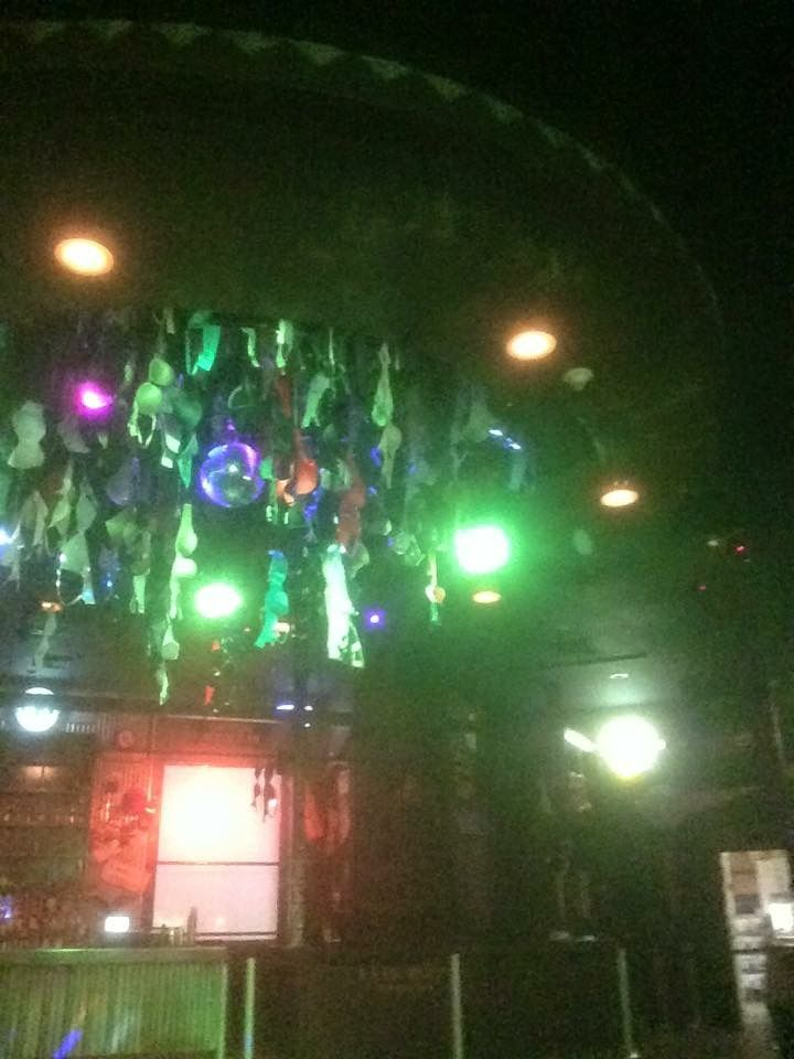 Coyote ugly saloon in Vegas!