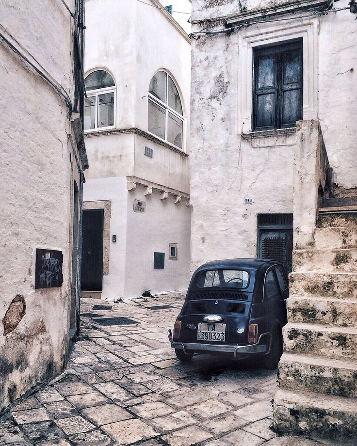 Fiat 500 on The street of Martina Franca
