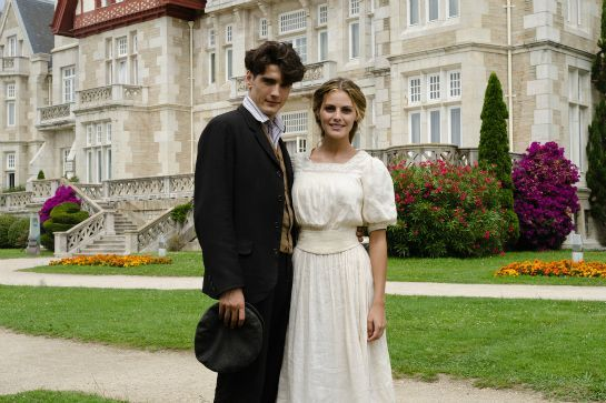 Sick Of TV? These Shows Will Get You Addicted All Over Again #refinery29  http://www.refinery29.com/best-netflix-instant-tv-shows#slide-4  Love Downton Abbey?Picture the beautiful period costumes and luxe settings, but transport them to a gorgeous hotel in Santander. On Grand Hotel, there's mystery afoot when a maid goes missing from one of Spain's most elegant hotels. Soon, her disappearance reveals other secrets...