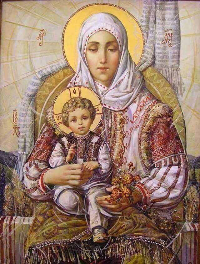 Fecioara Maria si pruncul Iisus Hristos in frumosul port romanesc.