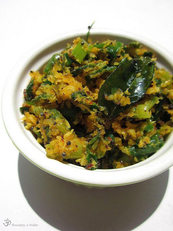 Recepty z Indie: Thoran z jarnych cibuliek