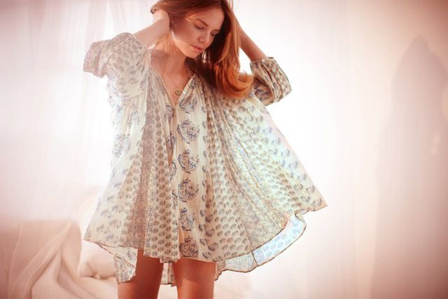 I love this delicate/feminine/romantic look. Calypso clothing