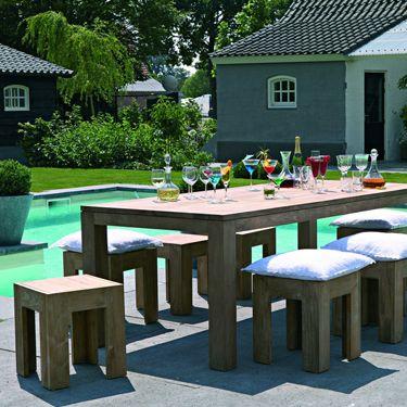 De strakke eettafel Kubus kan je niet alleen binnen, maar ook buiten gebruiken! #dining #living #interieur