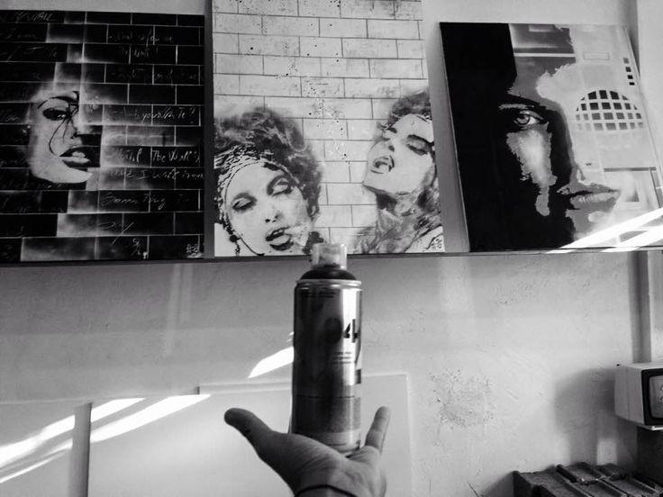 Grazie alla sua continua sperimentazione, Herman è un artista in fervida evoluzione. I suoi graffiti abbandonano sempre più le tracce figurative che un tempo erano il fulcro della tela. Gli sfondi, non sono più solo quinta scenica, ma prendono il sopravvento. Le figure si fanno rarefatte sino a scomparire e l' opera si fa sempre più astratta: al puro colore è affidato il messaggio.