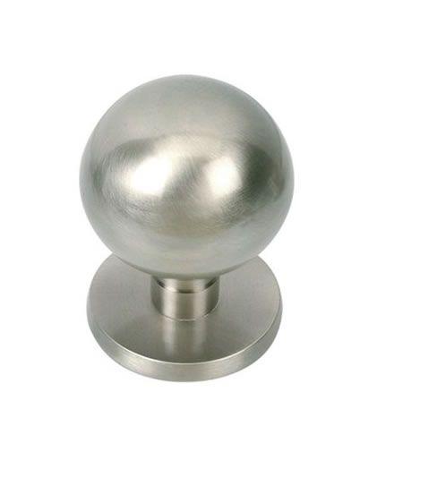 Pomo de puerta esferico mod p23 niquel satinado Una semana más nos vemos aqui todos en Manivelas Online para poder mostraros los complementos de calidad para su hogar que tenemos.