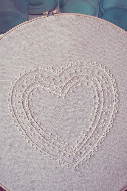 embroidered heart (stitch tutorial)