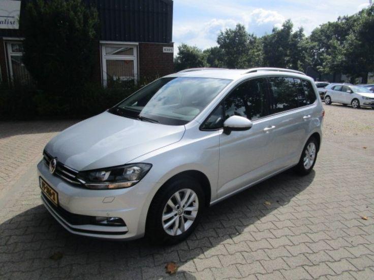 Volkswagen Touran  Description: Volkswagen Touran 2.0 TDI SCR HIGHLINE 7P  Price: 425.29  Meer informatie